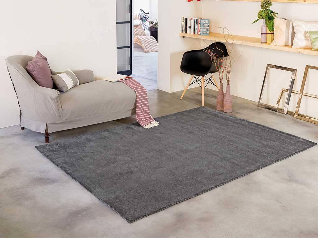 Tappeti moderni 4 spunti per arredare il salotto for Tappeti per soggiorno online