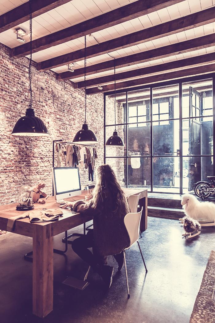 Come arredare l'ufficio in casa: cosa non deve mancare