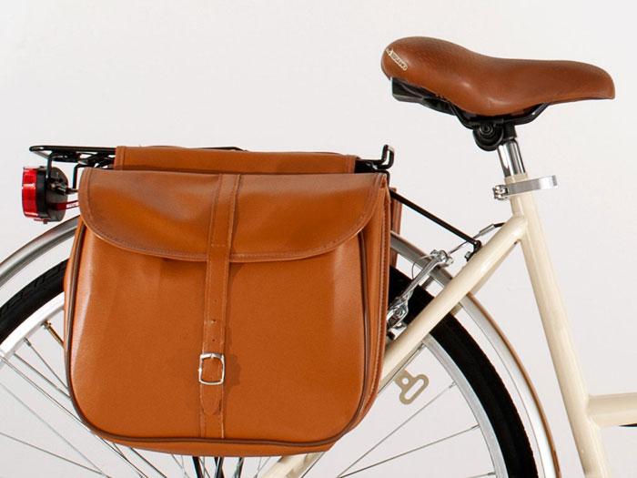 bici con borse laterali
