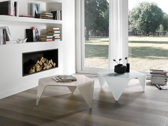Tavolini e consolle per arredare con grazia e leggerezza