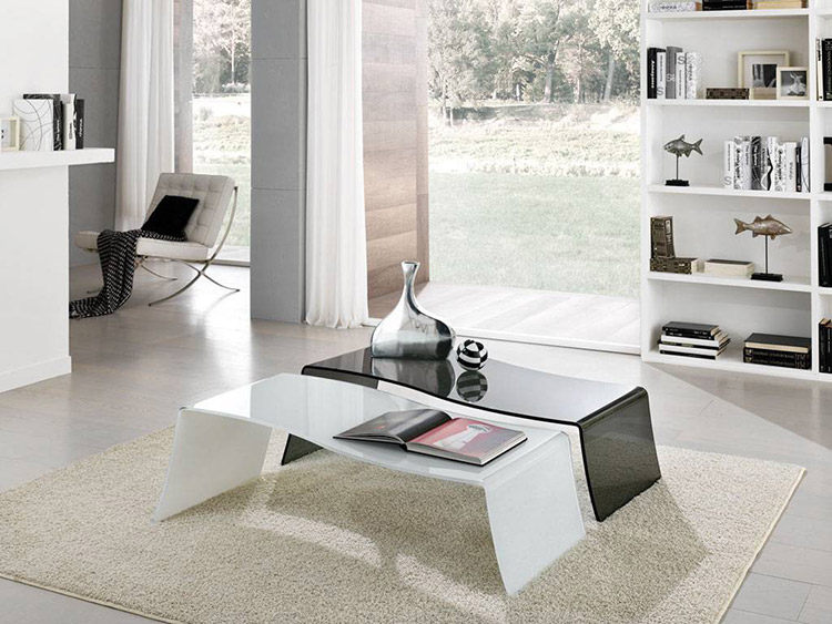 Tavolini in vetro curvato l 39 eleganza per il tuo salotto for Tavolini vetro