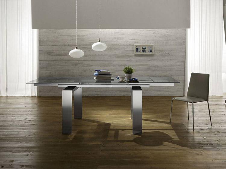 tendenze di arredamento con il colore grigio - tavolo