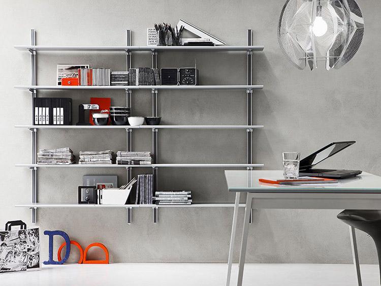 tendenze di arredamento con il colore grigio - libreria