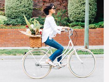 Bicicletta donna: il modo più intelligente e salutare di vivere la tua città!