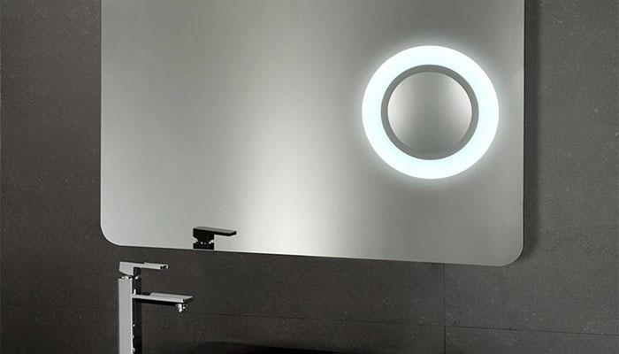 Illuminazione bagno: specchio led una magia di riflessi!