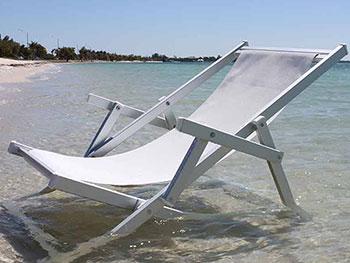 Aspettando l'estate… lettini mare, ombrelloni da spiaggia, sdraie da mare. Tuffati tra le tante proposte!