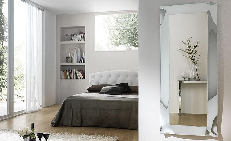 camera da letto specchio