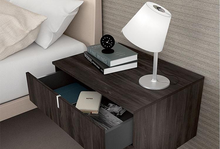 camera da letto comodino