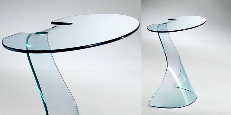 mobili in vetro curvato