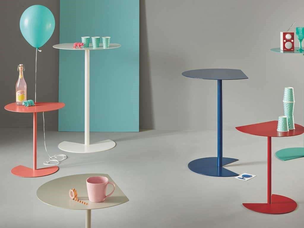 tavolini in metallo moderni colorati