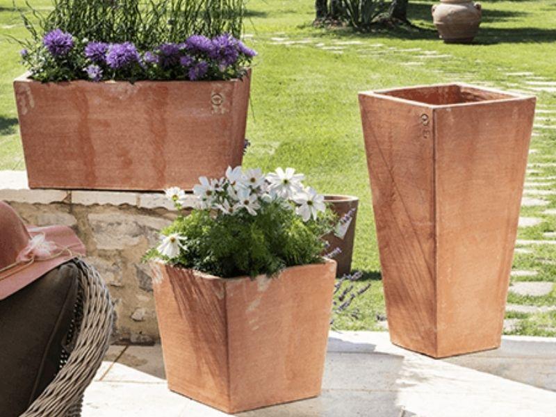 vaso in terracotta moderno