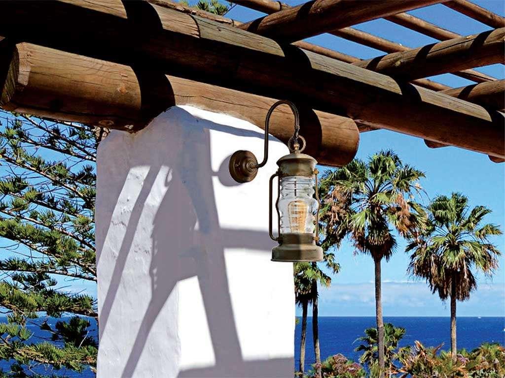 lampada in ottone da esterno