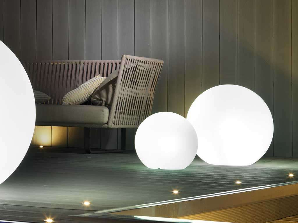sfere da giardino luminose