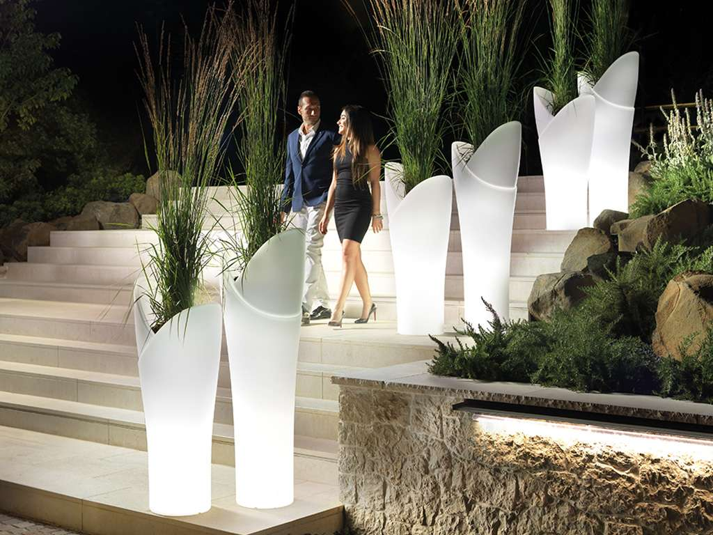 vaso di plastica illuminato alto