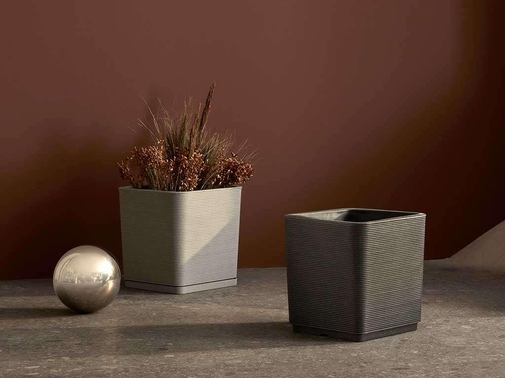 vaso di plastica di design quadrato